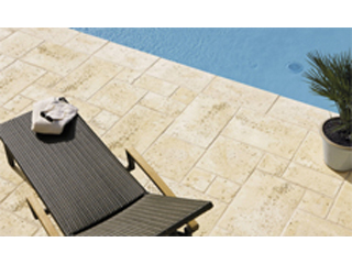 Bradstone Travero Poolrand