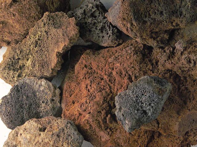 Lavabrocken, Schwarz-Rot